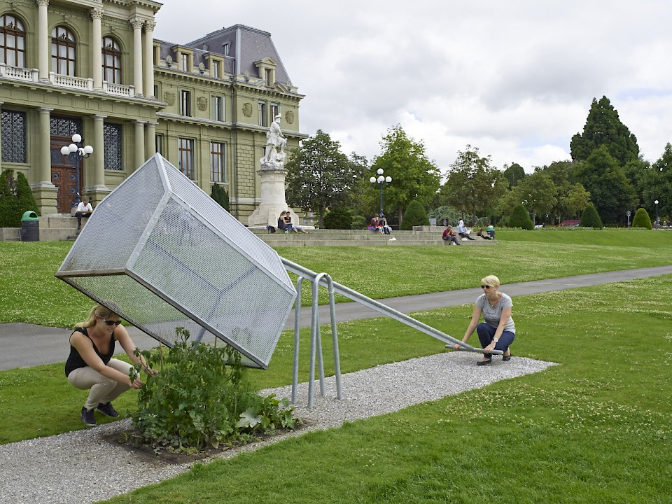 Image - Team: Arthur Didier, Marlo Guerry, Sofaya Philemon - Ecal / Lausanne (CH) - Photo: Milo Keller